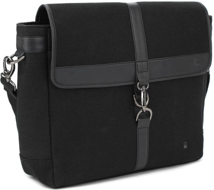 United Colors of Benetton. Laptop Messenger Bag 100 - Price in India ... 67e9cb0819