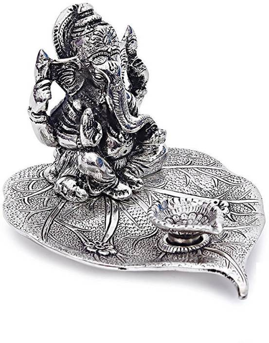 INTERNATIONAL GIFT INTERNATIONAL GIFT Silver Finish Ganesh Sitting on Leaf Silver God Idol Oxidized Finish With Beautiful Velvet Box (Aluminium, Silver) Showpiece Gift Set