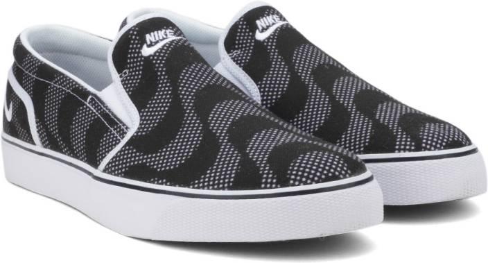 cf6460938b5f81 Nike TOKI SLIP TXT PRINT Sneakers For Men - Buy BLACK WHITE NOIR ...
