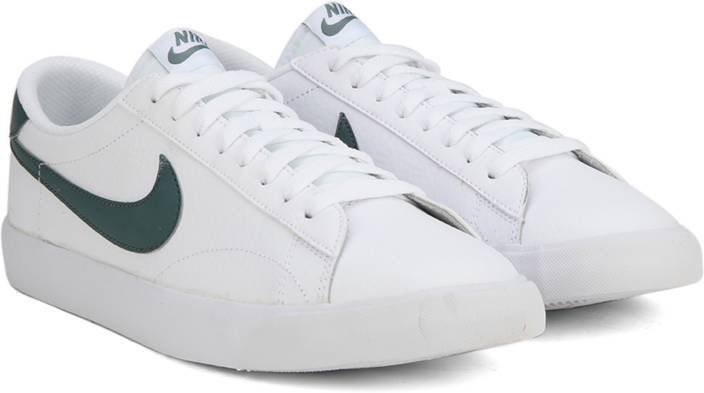 8e81fd64f3e Nike TENNIS CLASSIC AC Sneakers For Men - Buy WHITE   HASTA BLANC ...