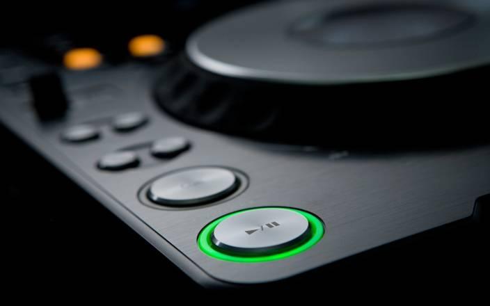 AnanyaDesigns-audio-black-cdj-dj-house-music-music-pioneer