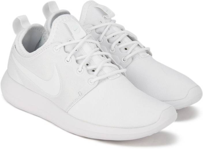 new concept 92aca ae715 Nike W NIKE ROSHE TWO Running Shoes For Women (White)