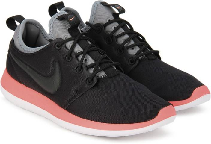 4d2a150df7bd Nike W NIKE ROSHE TWO Running Shoes For Women - Buy BLACK BLACK ...