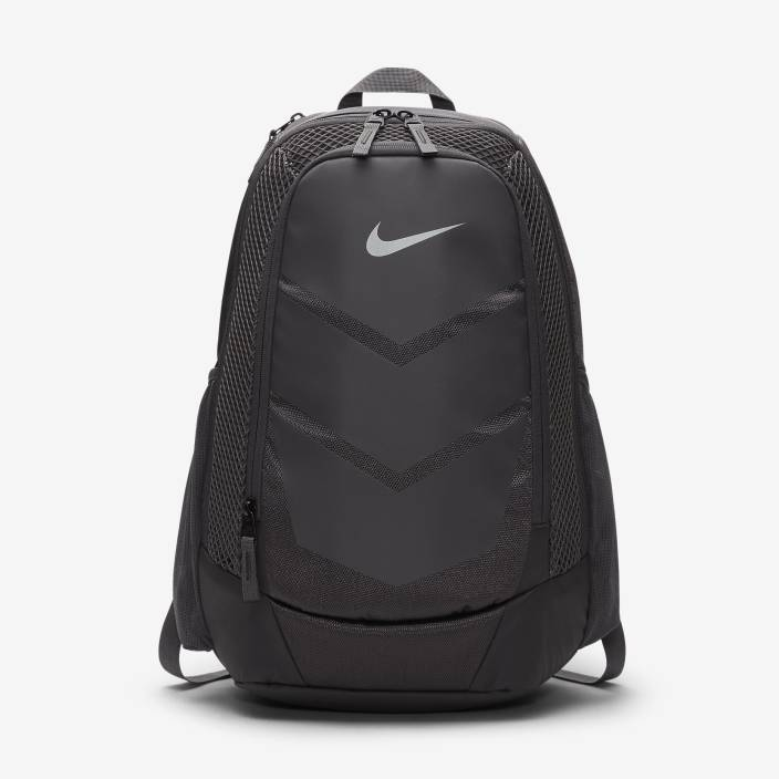 964cac39340 Nike Vapor Speed 25 L Laptop Backpack Metallic Silver - Price in ...