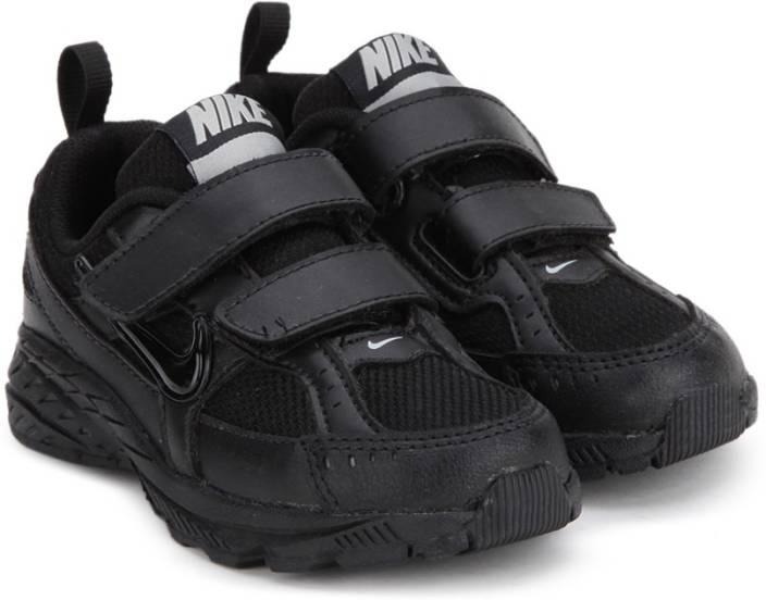 Nike presenta unos sneakers con detalles de velcro