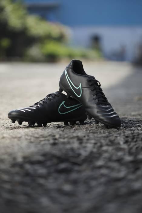 sports shoes d5760 6c5ac Nike TIEMPO RIO III FG Football Shoes For Men (Black)
