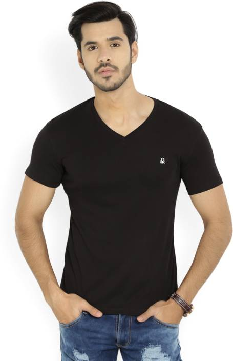 5e2fdcb25595 United Colors of Benetton Solid Men's V-neck Black T-Shirt - Buy BLACK  United Colors of Benetton Solid Men's V-neck Black T-Shirt Online at Best  Prices in ...