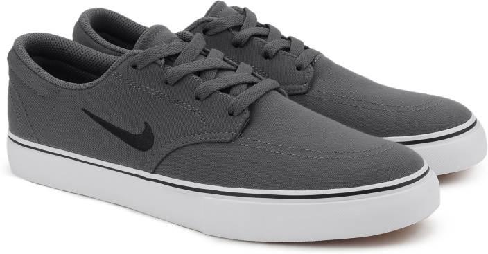 Nike SB CLUTCH Sneakers For Men - Buy DARK GREY BLACK-WHITE-GUM ... 7861bb9d590a