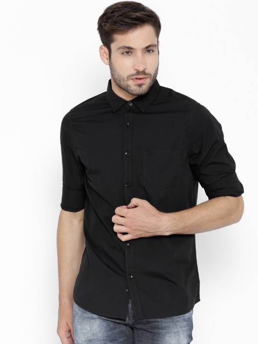 United Colors of Benetton. Men's Solid Casual Spread Collar Shirt