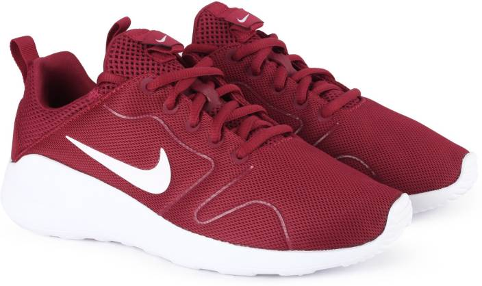 san francisco daa2f 65e3e Nike WMNS NIKE KAISHI 2.0 Training   Gym Shoes For Women (Maroon)
