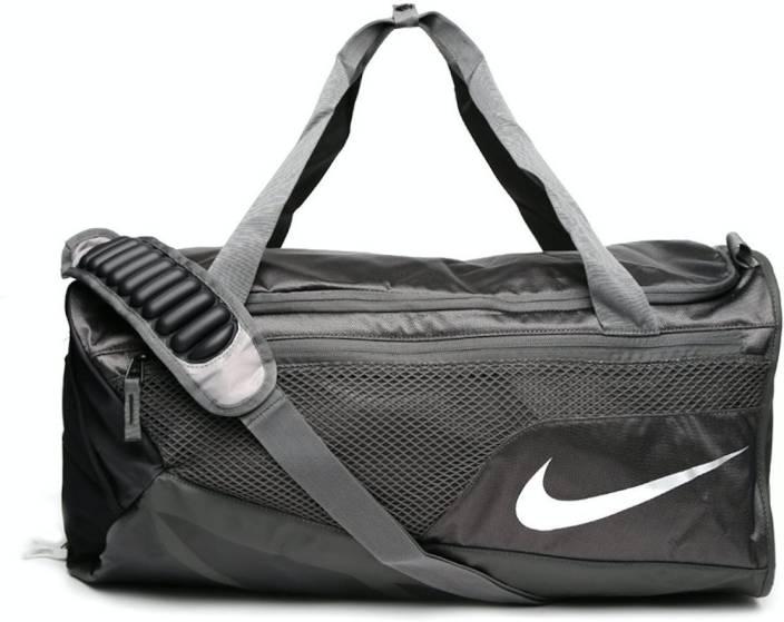 d6685cfabb8 Nike VAPOR MAX AIR DUFFEL MEDIUM MDNTFG M SILV DUFFEL BAG Travel Duffel Bag  (Black)