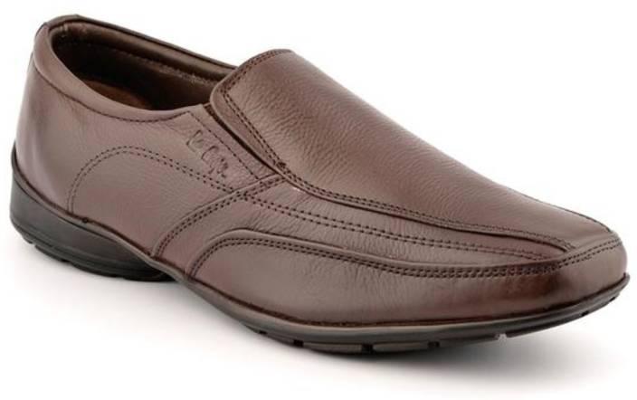 2a70b051c00 Lee Cooper Men Slip On Shoes For Men - Buy BROWN P1 Color Lee Cooper ...