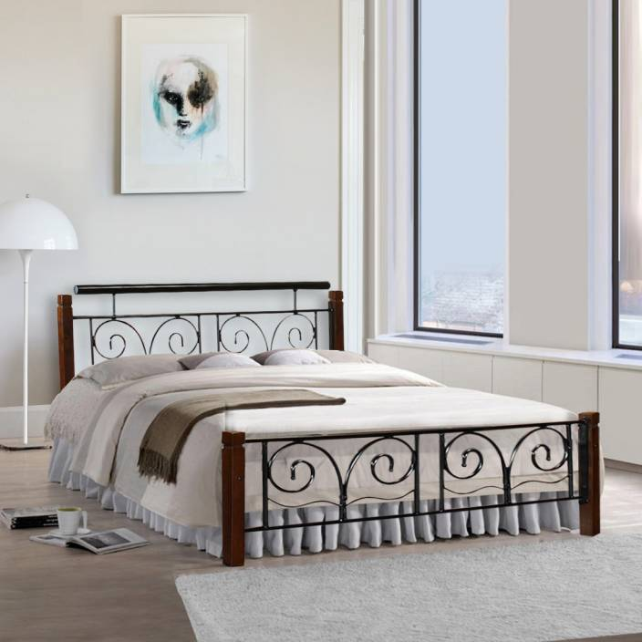 FurnitureKraft Chicago Metal Queen Bed