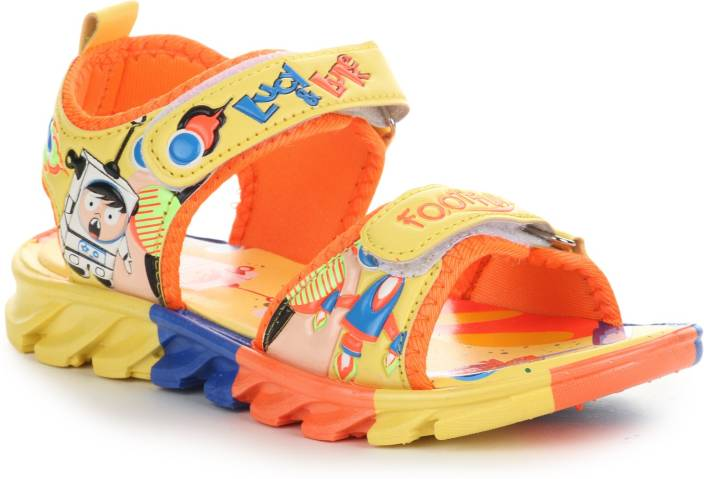 Lucy & Luke by Liberty Boys & Girls Velcro Sports Sandals  (Yellow)