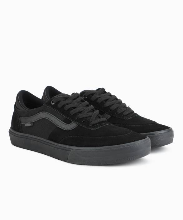 5d268dacce76 Vans Gilbert Crockett 2 Pro Sneakers For Men - Buy (Suede) blackout ...