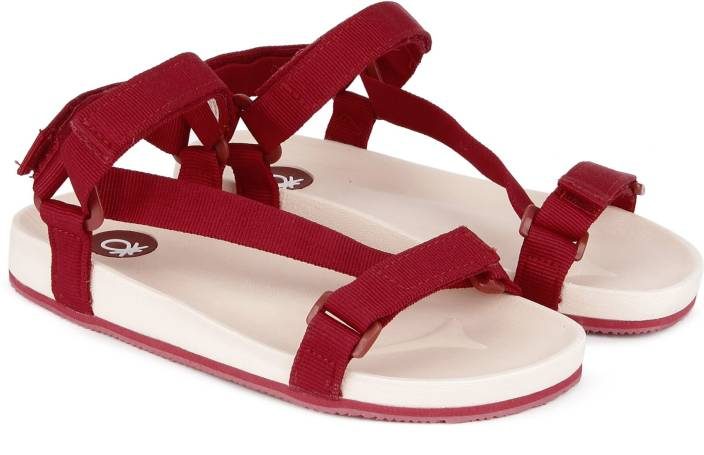 0767f484a4921 United Colors of Benetton Boys Velcro Sports Sandals Price in India ...