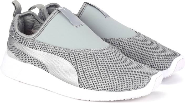 Puma ST Trainer Evo Slip-on v2 IDP Walking Shoe For Women - Buy Puma ... 186a7a5611