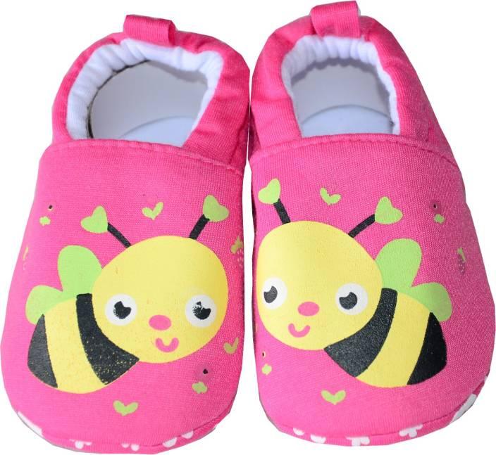 bbac1b1879c kids happy Boys   Girls Slip on Casual Boots 4-8 MONTH (BEE) Booties (Toe  to Heel Length - 11 cm Pink)