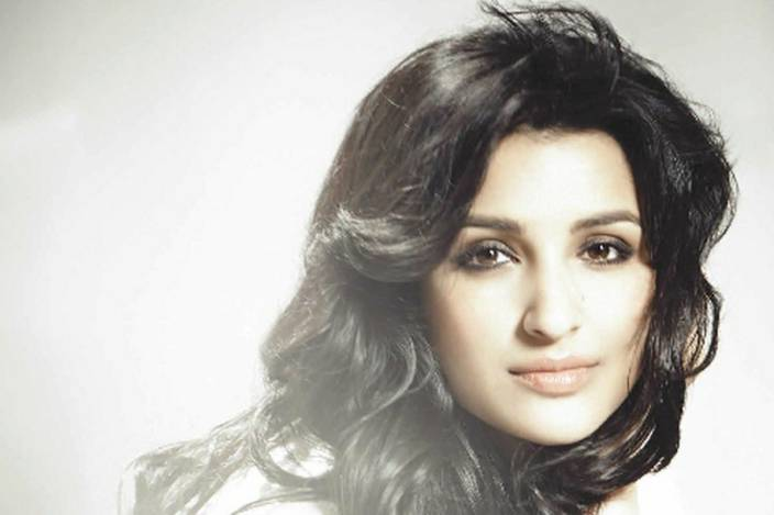 Chandigarh Graphic Beautiful Actress Parineeti Chopra Hd Wallpaper