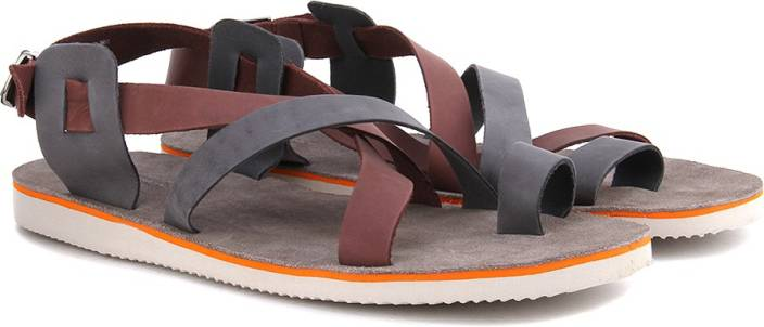 83a33443ef3f3 United Colors of Benetton Men 902 Sports Sandals - Buy NAVY MAROON ...