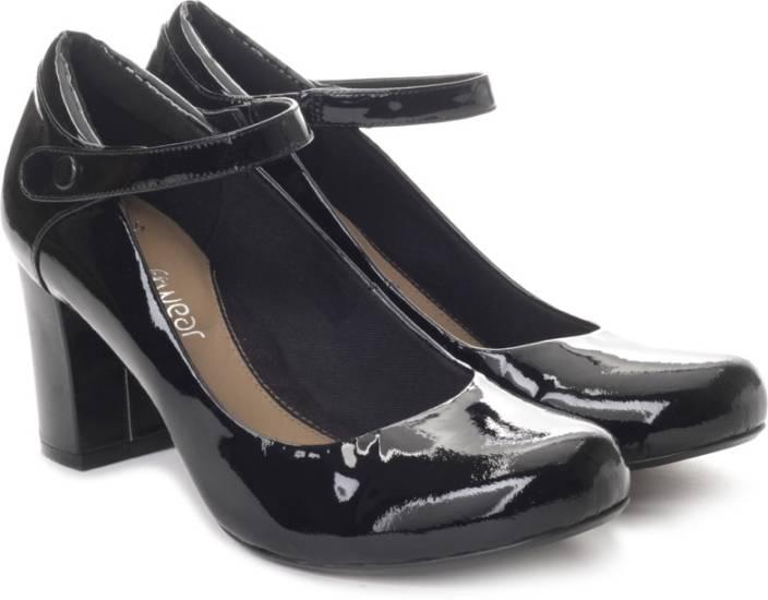 Clarks Women Black Pat Heels