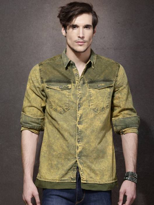 1742e524e45 Roadster Men's Solid Casual Green, Yellow Shirt