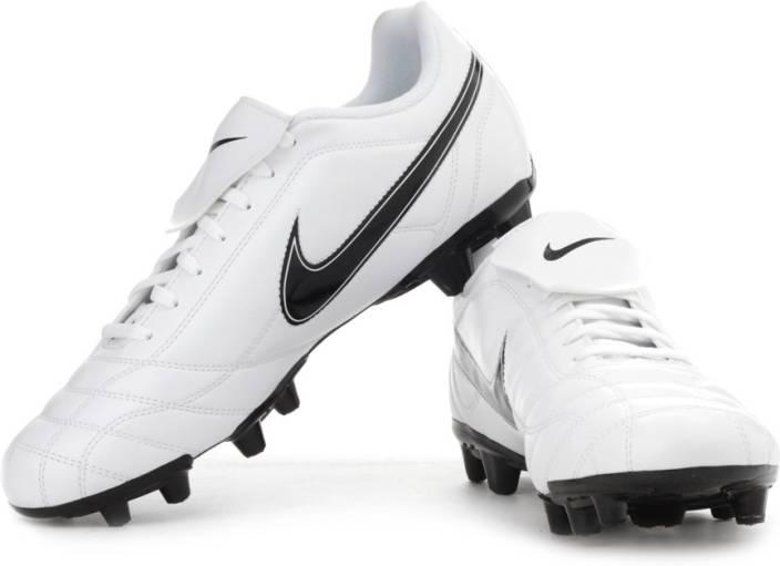 Nike Egoli Fg Football Shoes For Women - Buy White Color Nike Egoli ... 394e527d47