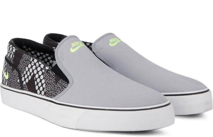 66545b071ed3 Nike TOKI SLIP TXT PRINT Sneakers For Men - Buy WOLF GREY   VOLT ...