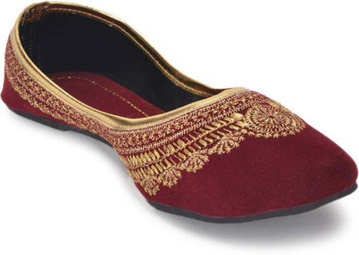 Paduki Ethnic Footwear Jutis For Women