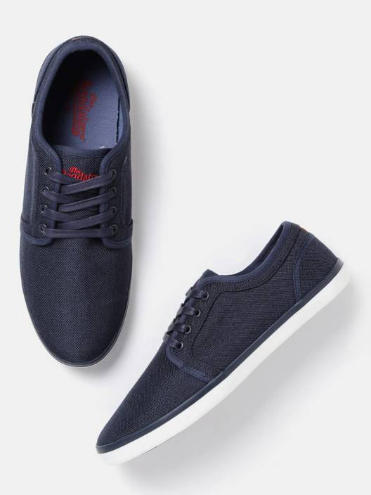 Roadster Sneakers