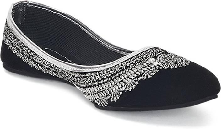 5a4de06a0 Paduki Ethnic Footwear Mojaris For Women - Buy Black Color Paduki ...