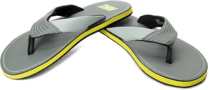 2fa5b0a8b Nike Chroma Thong Flip Flops - Buy Green