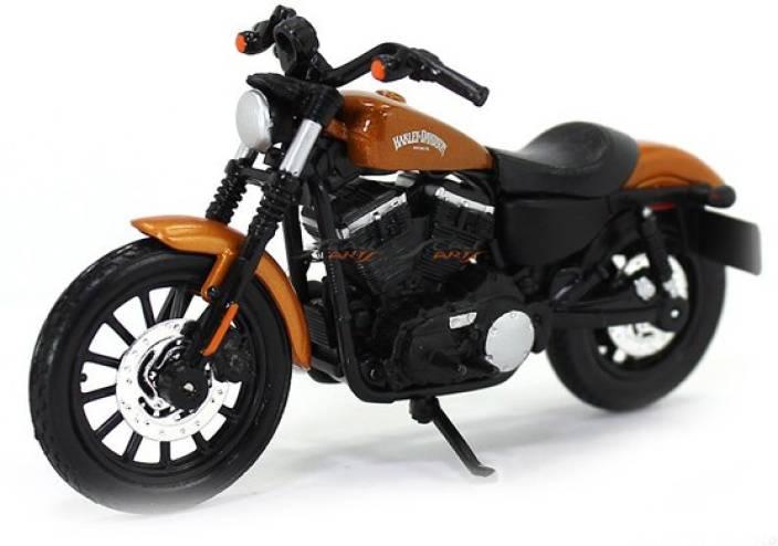 MAISTO 2014 Sportster Iron 883 Harley Davidson Scale 1:18