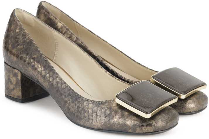 cristal Christchurch Supone  Clarks Chinaberry Fun Bronze Metallic Bellies For Women - Buy Bronze  Metallic Color Clarks Chinaberry Fun Bronze Metallic Bellies For Women  Online at Best Price - Shop Online for Footwears in India