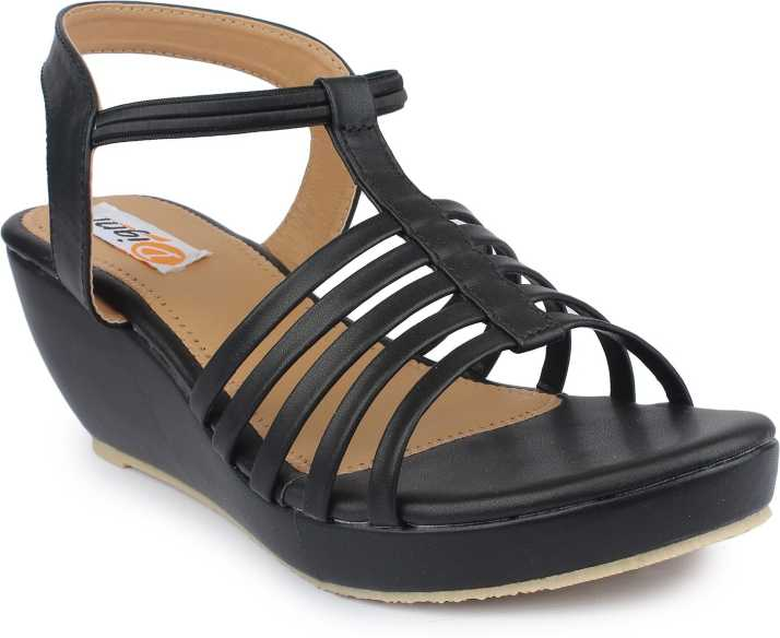 Digni Women Black Wedges - Buy Digni Women Black Wedges Online at Best  Price - Shop Online for Footwears in India  f92ce6a39f