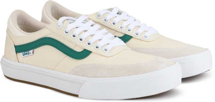 e0099bed36 Vans Gilbert Crockett 2 Pro Sneakers For Men - Buy (Center Court ...