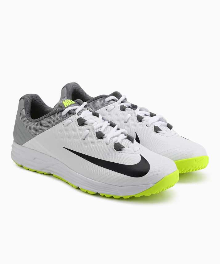 c8c4f03562e9 Nike POTENTIAL 3 SS 19 Cricket Shoes For Men - Buy Nike POTENTIAL 3 ...