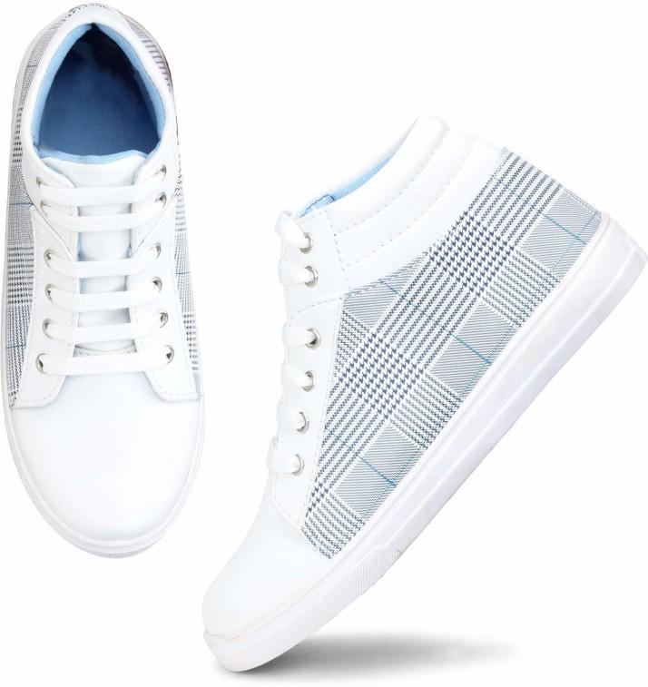 sneakers flipkart