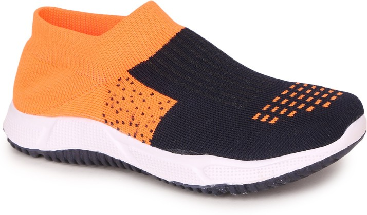 TRASE Boys Slip on Running Shoes Price
