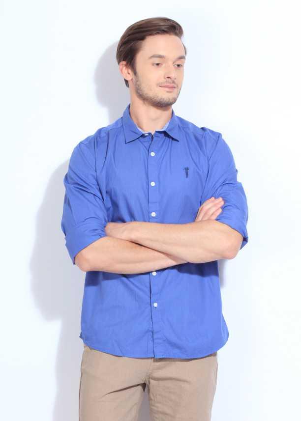 21a6822b39a5 Bossini Men s Solid Casual Blue Shirt - Buy Blue Bossini Men s Solid ...