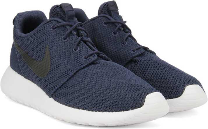 big sale f18d0 4b394 Nike ROSHE ONE Sneakers For Men (Navy, White, Black)