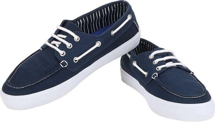 74b7f9ff46 Vans Chauffeur SF Boat Shoes For Men - Buy Voguish Navy Blue Color ...