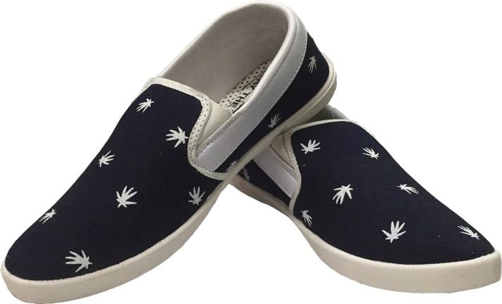 Evok Canvas Shoes For Men - Buy Black