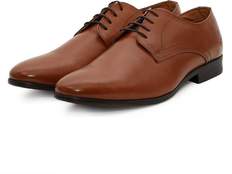 81% Off on Bond Street By Red Tape Shoes