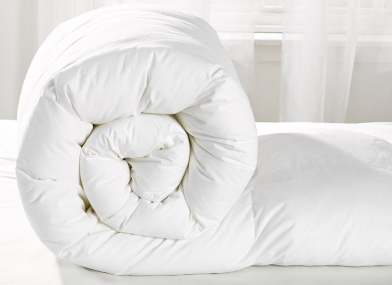 Acmura Plain King Quilts & Comforters White(Micro Quilt, One Comforter...