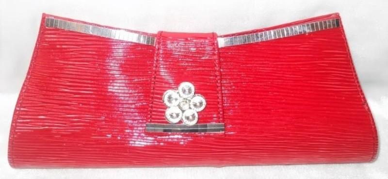 mte-casual-red-clutch