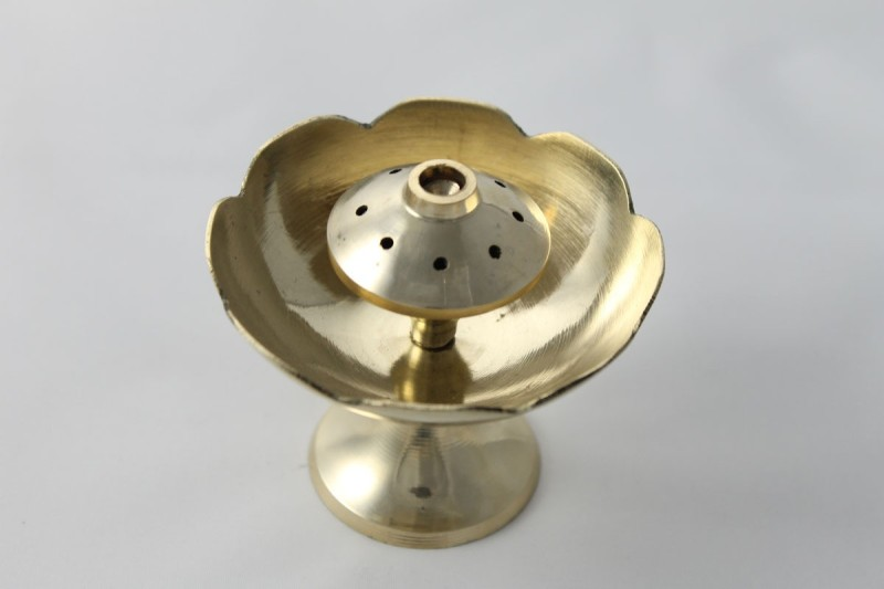 Sarvsiddhi BRASS FLOWER AGARDAN Brass Incense Holder(Gold)