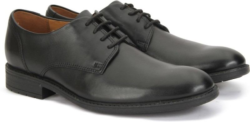 Clarks TRUXTON PLAIN BLK WPROOF LEA Lace Up For Men(Black)