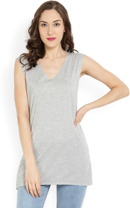 MANGO Solid Women V-neck Grey T-Shirt