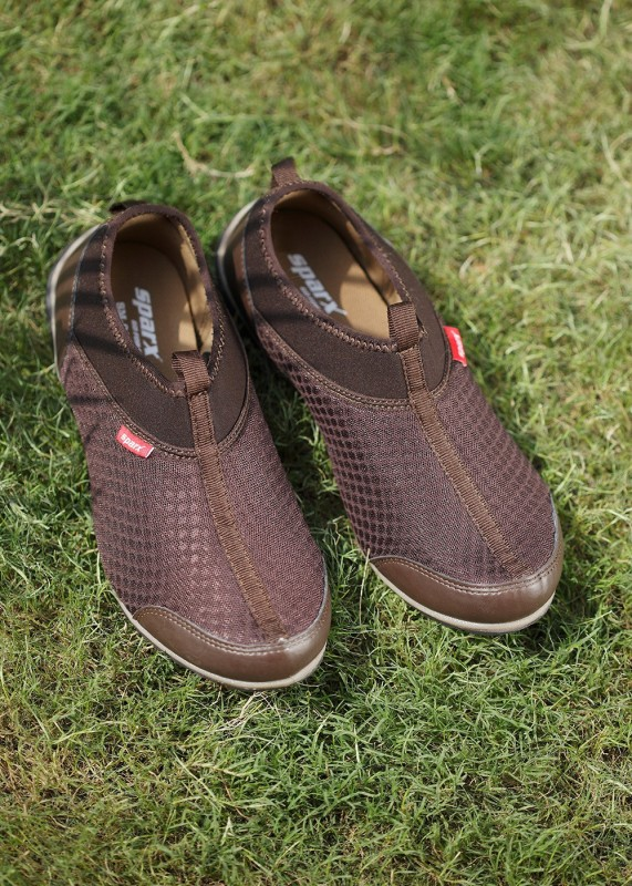 Sparx Men Walking ShoesBrown